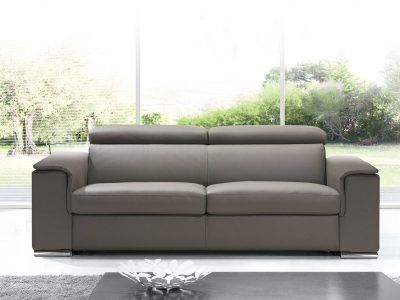 Canapé convertible avec têtières ajustables, pour profiter à la fois d'un vrai canapé cuir ou tissu et d'un vrai couchage. Plusieurs configurations
