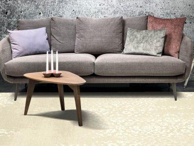 Canapé, au design des années 60, est proposé en cuir ou tissu. Ses nombreux coussins donnerons un effet cocooning à votre intérieur