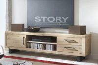 Meuble TV chêne piètement métal, au style industriel, apportera un aspect chaleureux à votre salon. Existe dans différents coloris