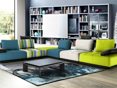 Salon modulable dossier double profondeur avec accoudoirs relevables, entièrement personnalisable par sa configuration, ses coloris et matières