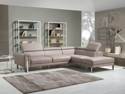 Ce canapé contemporain pieds et inserts métal, au style sobre et élégant, s'adaptera parfaitement à tout type d'intérieur. Existe en microfibre, cuir, tissu