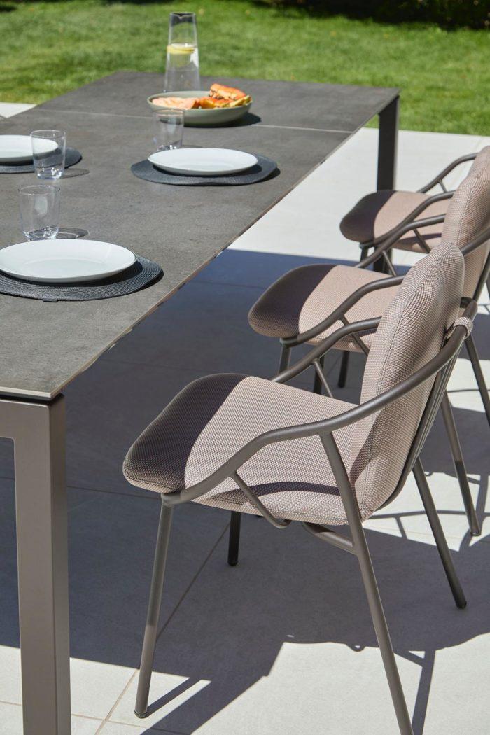 Outdoor table de repas extérieur - STORY Mobilier contemporain et tendance