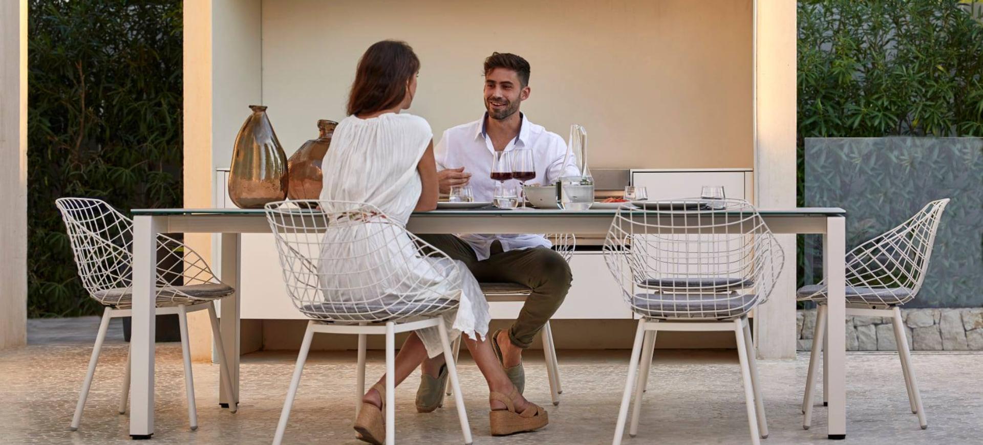 Outdoor table de repas STORY Mobilier contemporain et tendance