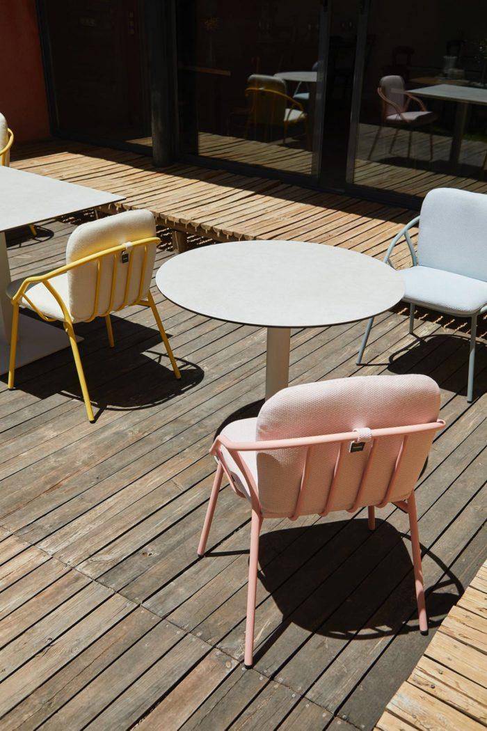 Outdoor table et chaise extérieur STORY Mobilier contemporain et tendance